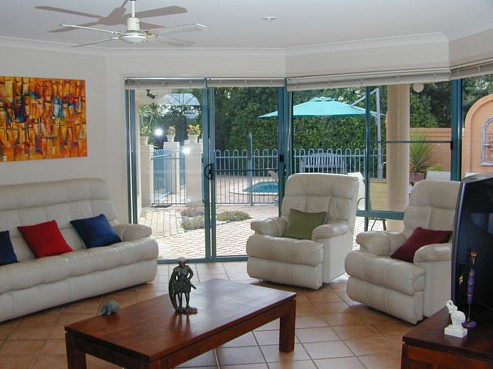Golden Cane Bed and Breakfast - Accommodation in Surfers Paradise