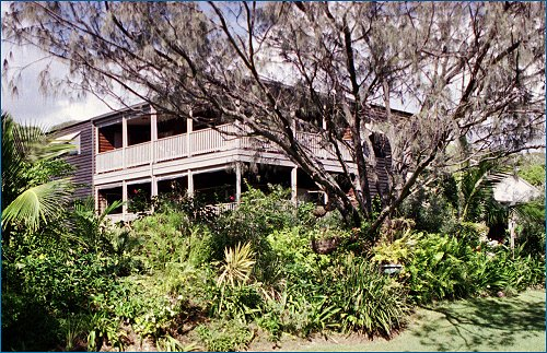 Fraser Island Hideaway - Accommodation in Surfers Paradise