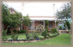 Guy House Bed and Breakfast - Accommodation in Surfers Paradise