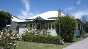 Pitstop Lodge Guesthouse and Bed and Breakfast - Accommodation in Surfers Paradise