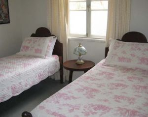 Hope Cottage Country Retreat At Assmanshausen Winery - Accommodation in Surfers Paradise
