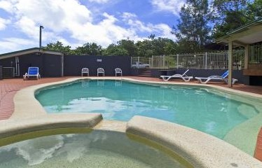 Whalewatch Ocean Beach Resort - Accommodation in Surfers Paradise