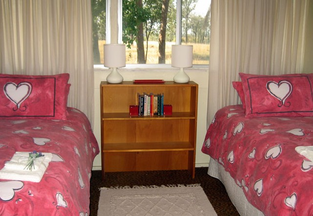 Flag Springs Bush Retreat - Accommodation in Surfers Paradise
