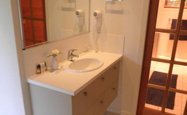 Ravensbourne Escape Silverwood Lodge - Accommodation in Surfers Paradise