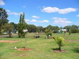 Yarraman Caravan Park - Accommodation in Surfers Paradise