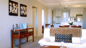 Churchill Apartments - Accommodation in Surfers Paradise