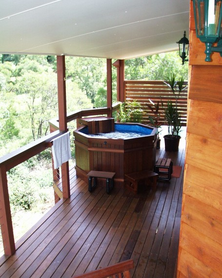 Ravensbourne Escape Holiday Cottages - Accommodation in Surfers Paradise