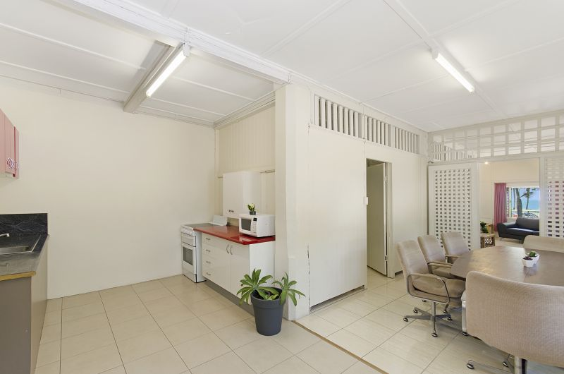 Strand Motel - Accommodation in Surfers Paradise