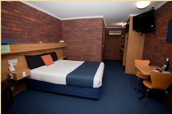 Comfort Inn Blue Shades - Accommodation in Surfers Paradise