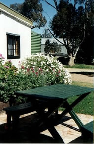 Dunalan Host Farm Cottage - Accommodation in Surfers Paradise