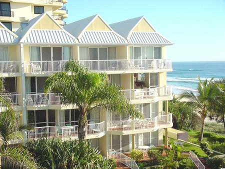 Crystal Beach Resort - Accommodation in Surfers Paradise