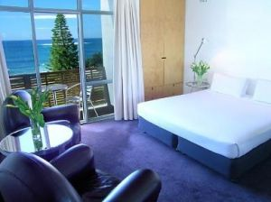 Hotel Dive - Accommodation in Surfers Paradise