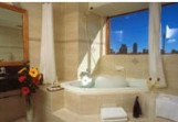 The Crest Hotel - Accommodation in Surfers Paradise