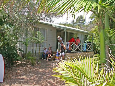 One Mile Beach Holiday Park - Accommodation in Surfers Paradise