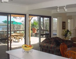 Lakeview Cottage - Accommodation in Surfers Paradise