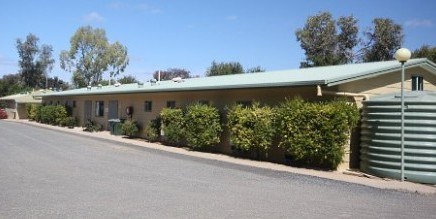 Macdonnell Range Holiday Park - Accommodation in Surfers Paradise