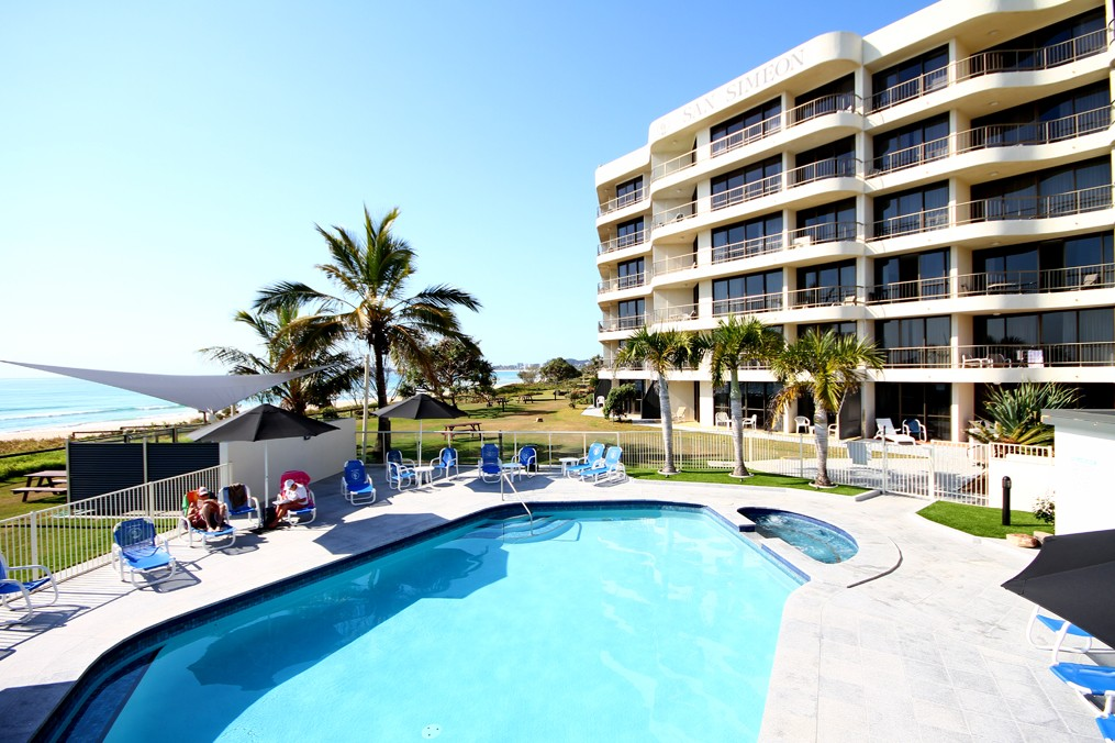 San Simeon Beachfront Apartments - Accommodation in Surfers Paradise