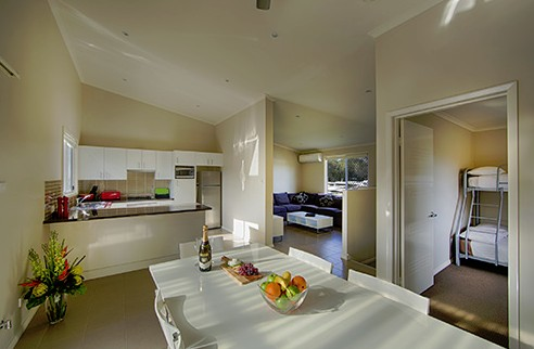 Middle Rock Holiday Resort - Accommodation in Surfers Paradise