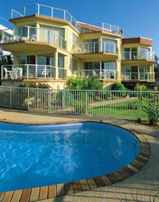 A Baywatch Apartments - Accommodation in Surfers Paradise