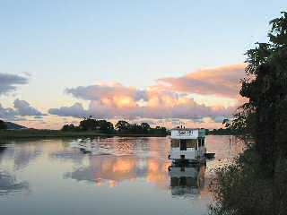Tweed River Houseboats - Accommodation in Surfers Paradise