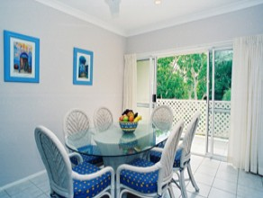 Sailz Boutique Holiday Villas - Accommodation in Surfers Paradise