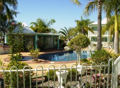 Reef Adventureland Motor Inn - Accommodation in Surfers Paradise