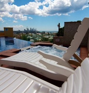 Magic Mountain Resort - Accommodation in Surfers Paradise