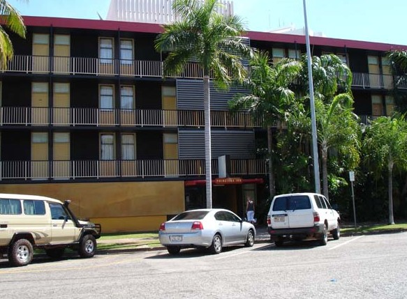 Poinciana Inn - Accommodation in Surfers Paradise