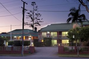Aabon Holiday Apartments  Motel - Accommodation in Surfers Paradise