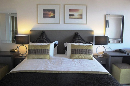 Amooran Court - Accommodation in Surfers Paradise