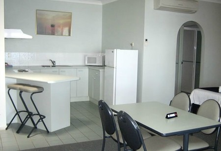 Moby Dick Waterfront Resort Motel - Accommodation in Surfers Paradise