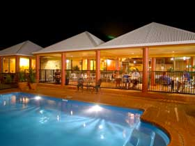 Reef Resort - Accommodation in Surfers Paradise