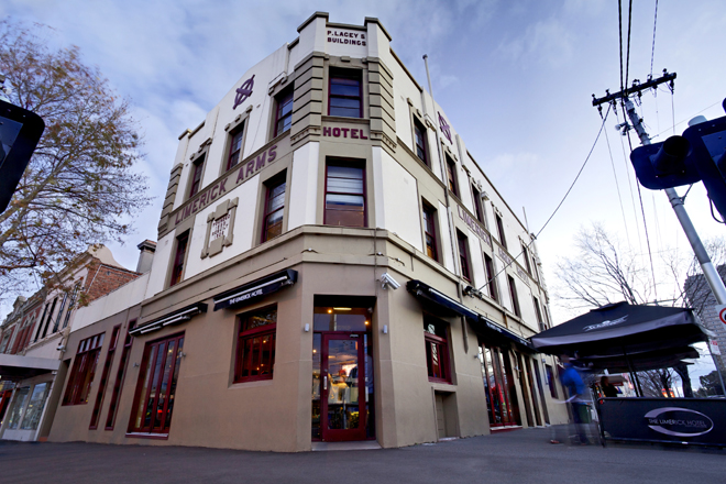 The Limerick Arms Hotel - Accommodation in Surfers Paradise