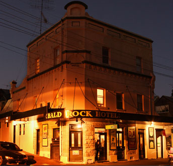 Bald Rock Hotel - Accommodation in Surfers Paradise