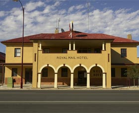 Royal Mail Hotel Jerilderie - Accommodation in Surfers Paradise