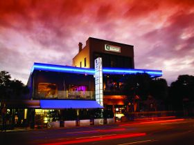 Chalk Hotel - Accommodation in Surfers Paradise