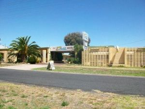 Nhill Oasis Motel - Accommodation in Surfers Paradise