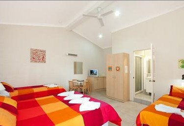 Pacific Palms Motel - Accommodation in Surfers Paradise