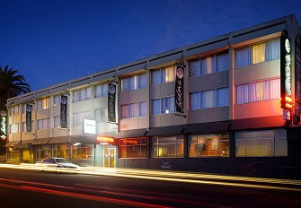 Sandors On The Park - Accommodation in Surfers Paradise