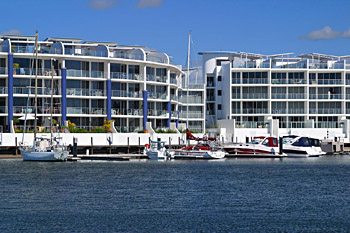 Bluewater Point Resort - Accommodation in Surfers Paradise