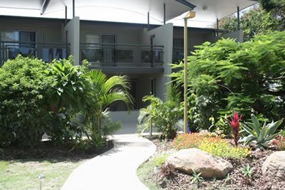 Apartments  Toolooa Gardens Motel - Accommodation in Surfers Paradise