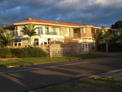 Lake Haven Motor Inn - Accommodation in Surfers Paradise