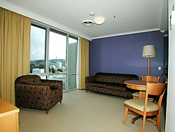 Waldorf Apartments Hotel Canberra - Accommodation in Surfers Paradise