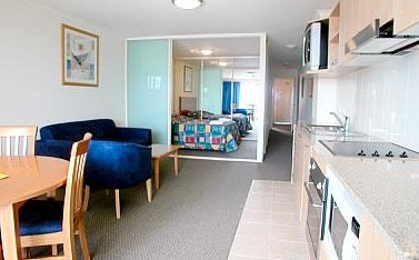 The Entrance Waldorf Apartments - Accommodation in Surfers Paradise