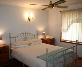 Caits Cottage Bed And Breakfast - Accommodation in Surfers Paradise