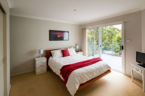 The Lake Limo - Accommodation in Surfers Paradise
