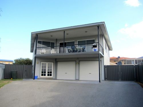 Lancelin Beach Breaks Holiday Accommodation - Accommodation in Surfers Paradise