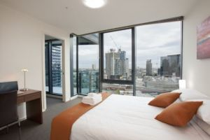28 Nights - Accommodation in Surfers Paradise