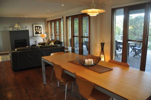 The Deck Killcare - Accommodation in Surfers Paradise