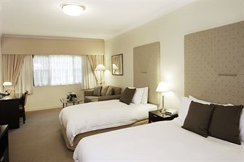 Grand Mercure The Hills Lodge - Accommodation in Surfers Paradise